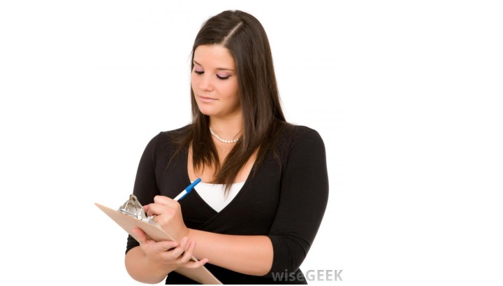 woman-with-clipboard